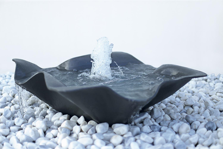 gartenbrunnen materialien gartenbrunnen. Black Bedroom Furniture Sets. Home Design Ideas