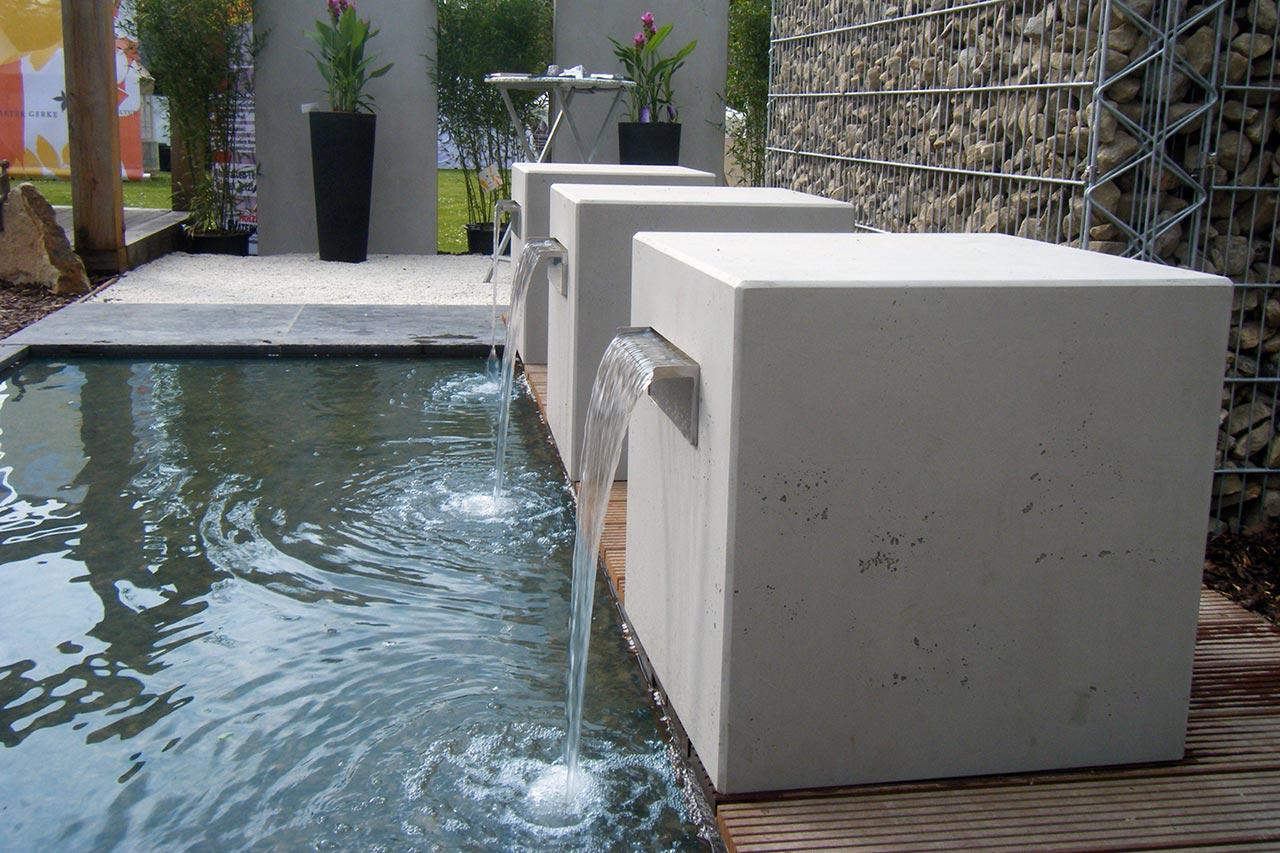 Beton-Gartenbrunnen betonoptik modern Tend Design Brunnen aus Beton