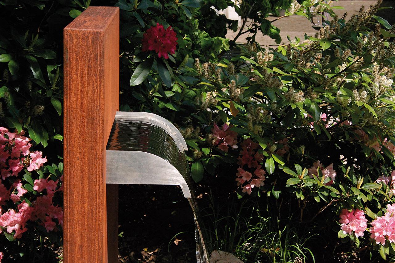 Cortenstahl-Gartenspringbrunnen Wasserfall im Garten Garten-Wasserfall Corten