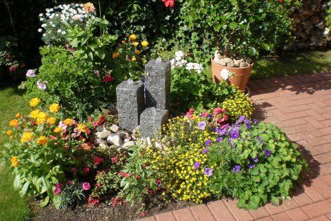 Steinbrunnen Granitbrunnen Gartenbrunnen aus Garnit Brunnen aus Stein