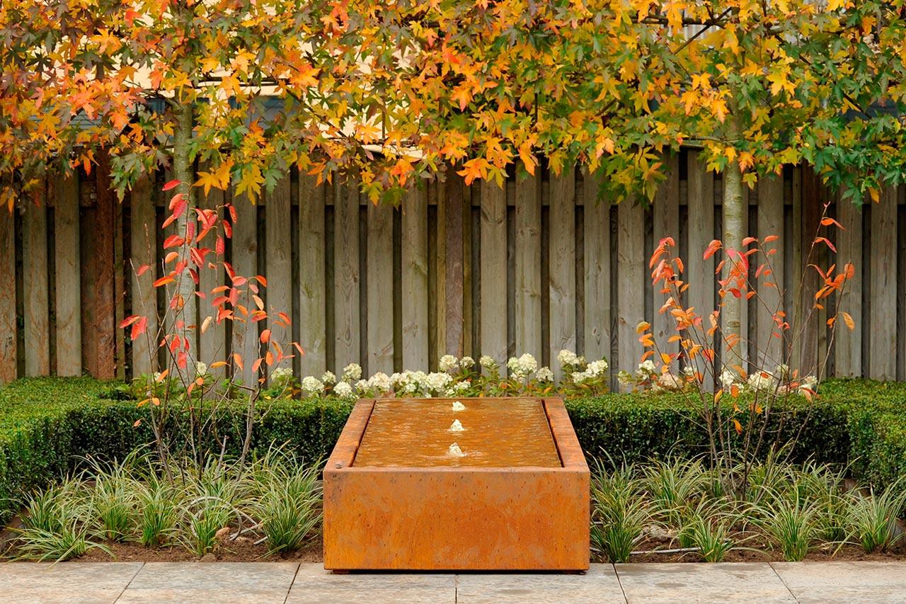 Großer Gartenspringbrunnen Wassertisch Cortenstahlbrunnen Cortenbrunnen Springbrunnen-Wassertisch water table