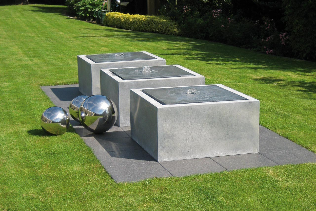 Zink-Gartenbrunnen Zinkbrunnen Springbrunnen und Wasserspiele aus Zink Gartenspringbrunnen